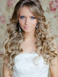 blonde-curly-bridal-hair